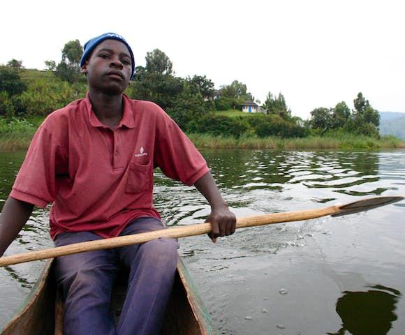 Lake Bunyonyi, canoe trip.