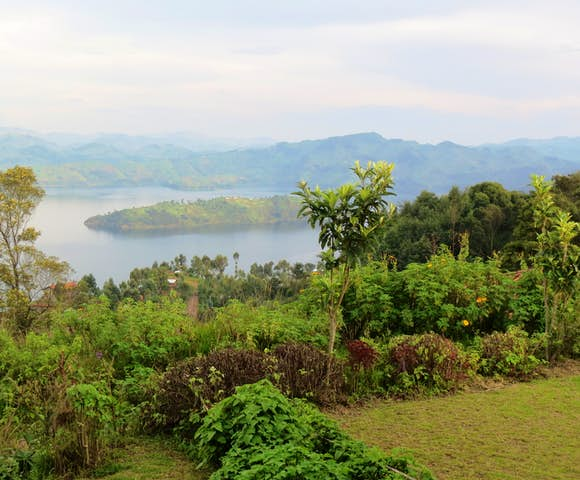 Lake Mutanda contains 15 small islands, 'Mutanda Island' is inhabited by a clan called the 'Abagesera'.